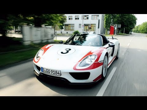 Maria Sharapova and Mark Webber: Test drive in the 918 Spyder