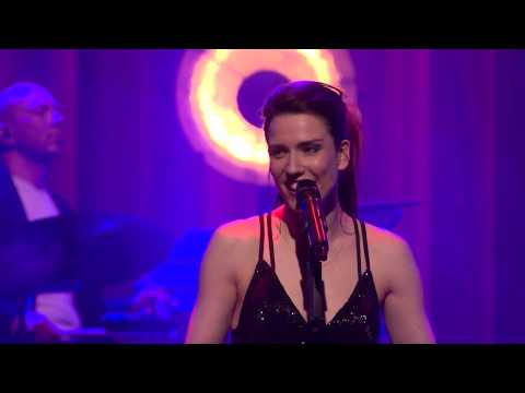 'List, Shaffy & Piaf' van Renée van Wegberg is een theatershow 'met een randje'