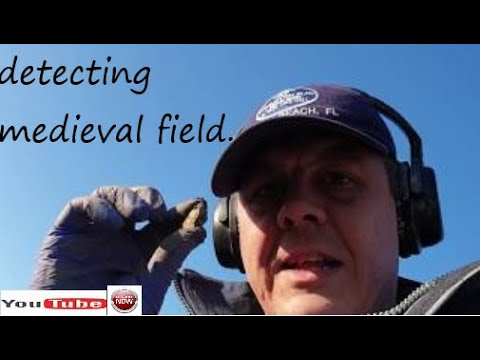 Detecting medieval fields with Minelab Equinox 800.