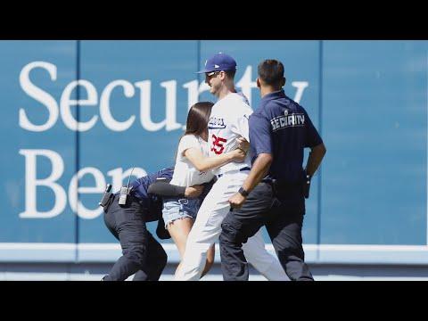 15-Year-Old Tackled After Hugging Cody Bellinger