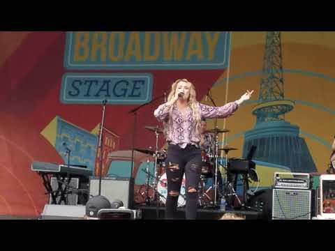 Gabby Barrett (CMA Fest)  I Hope