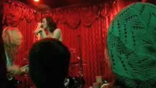 Donnas - Alex's Bar - Smoke You Out