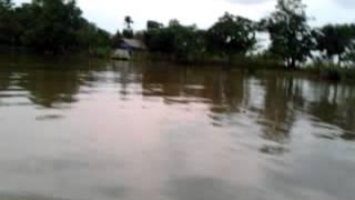 preview picture of video 'sore hari di sungai martapura.mp4'