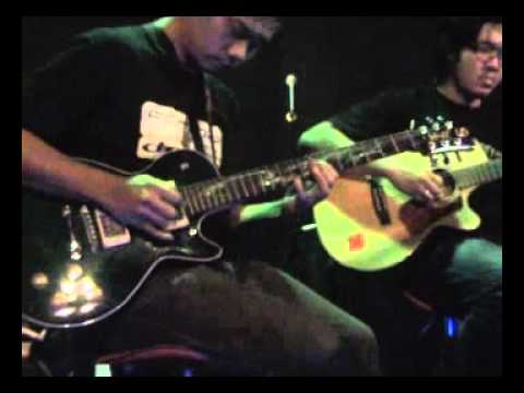 """DOLPHIN DANCE "" duet gitar by Achmad.Ananda & Rahman Pattiiha.wmv"