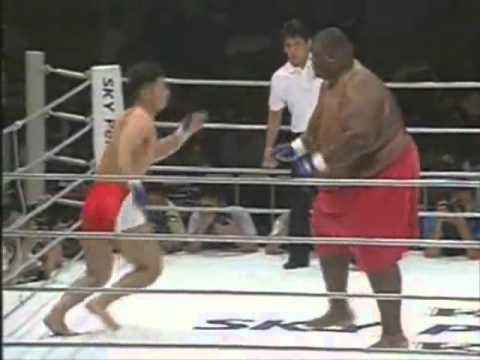 170 Vs. 700 Pounds - Amazing Fight!
