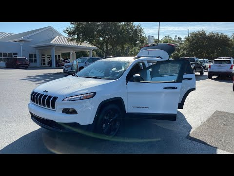 Pre-Owned 2017 Jeep Cherokee Altitude FWD *Ltd Avail*