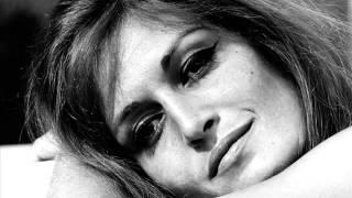 Je Suis Toutes Les Femmes - Dalida  (Video)