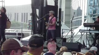Joe Nichols - Size Matters (Live CMA Fest 2010)