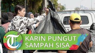 Awkarin Punguti Sampah Bersama Relawan Pasca-Demonstrasi