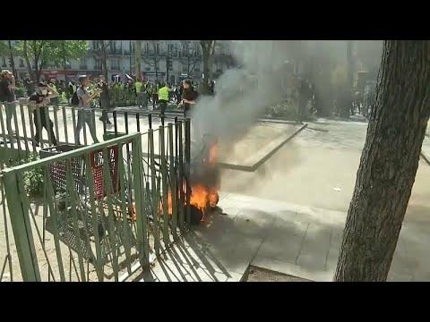 Μεγάλο Σάββατο με διαδηλώσεις και επεισόδια στο Παρίσι…