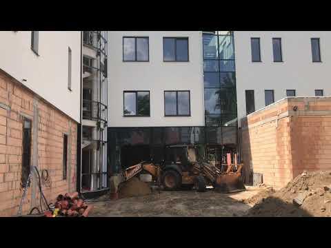 Wideo1: Budowa biblioteki przy Placu Metziga w Lesznie