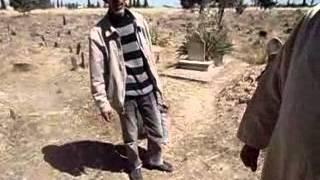 preview picture of video 'MAHDIA LA WILAYA DE TIARET VOLONTARIAT AU CIMITIERE DU 31MAI ET 01/06/2013'