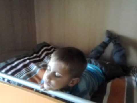 Il gemorroidalny annoda al bambino di 2 anni
