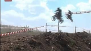 В Боровичах на Бобровских горах состоялся традиционный мотокросс, приуроченный к Дню металлурга