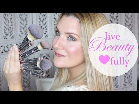 Heavenly Luxe French Boutique Blush Brush #4 by IT Cosmetics #11