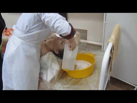 Обучение мытью головы больного на постельном режиме