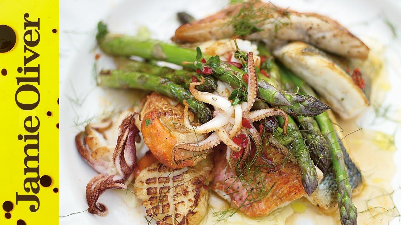 Asparagus & Mixed Fish Grill
