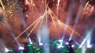 Hardwell & Wildstylez feat. KiFi - Shine A Light (Tomorrowland 2018) Fireworks