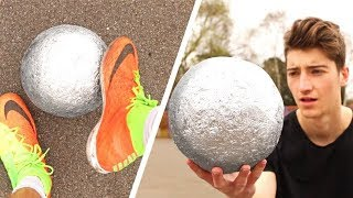 Playing FOOTBALL with a MIRROR-POLISHED FOIL BALL!! - Video Youtube