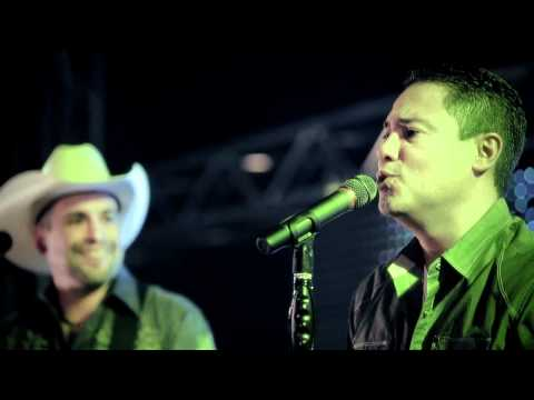 Download Vuelta En U - Featuring Bobby Pulido Mp4 HD Video and MP3
