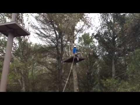 "Parc accrobranche sur l""environnement naturel de la Sierra de los Camarolos"