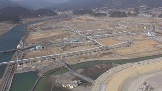 稼働終える巨大コンベヤー震災4年半の岩手県陸前高田市