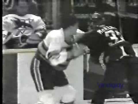 Todd Ewen vs. Jim McKenzie