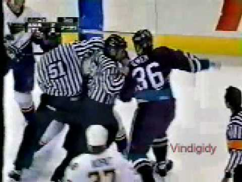Murray Baron vs. Todd Ewen