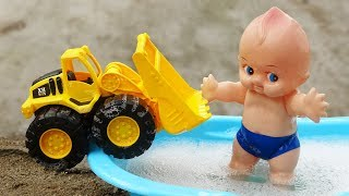 Truck, bulldozer with baby bathing soap - B1180C baby toys Baby Fish