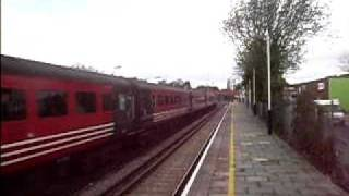 preview picture of video '47,843 VULCAN & 47,805 TALISMAN pass through Dachet Station with a railtour of Windsor'