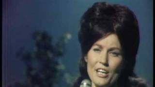 Loretta Lynn - If You Miss Heaven