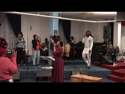 Funmi Oyedeji Live at 5 Hours Praise Revival - Yoruba Gospel Music