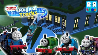 Belle help Thomas, Percy and Ashma Thomas and Friends: Magical Tracks - Kids Train Set