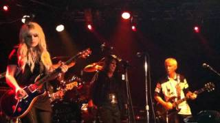Alice Cooper Back Door Man (The Doors cover) feat. Robby Krieger & Orianthi live 2011