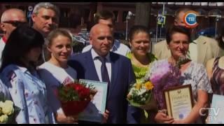 Призеры молодежного чемпионата Европы (U-23) по велоспорту и их тренеры получили заслуженные награды