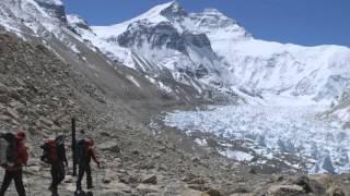 Wingsuit-Sprung am Mount Everest: Valery Rozov betritt Neuland