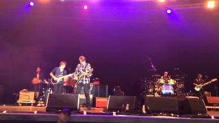 preview picture of video 'John Fogerty - Fortunate Son LIVE'