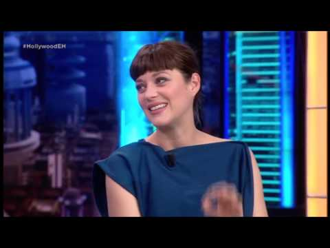 Marion Cotillard and Michael Fassbender speaking Spanish (with subtitles)