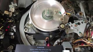 "Sony U-matic VTR ""BVU-950"" Tape Loading"