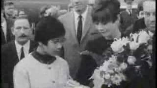 Икона стиля - Одри Хепберн, Audrey Hepburn returns to Holland
