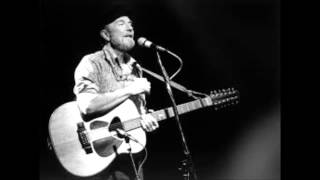 Pete Seeger:  How Can I Keep from Singing?  -  Live, 1982.