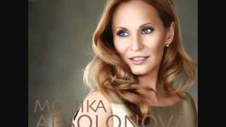 01-Teď královnou jsem já-Monika Absolonová