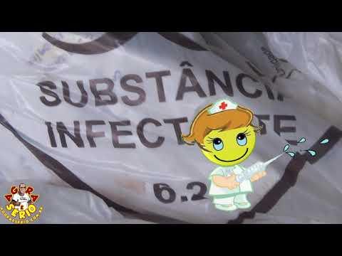 Lixo Hospitalar e Entulho no local mal acabado e sujo impede ambulância de estacionar no Hospital de Juquitiba