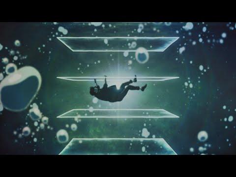 蝶の飛ぶ水槽