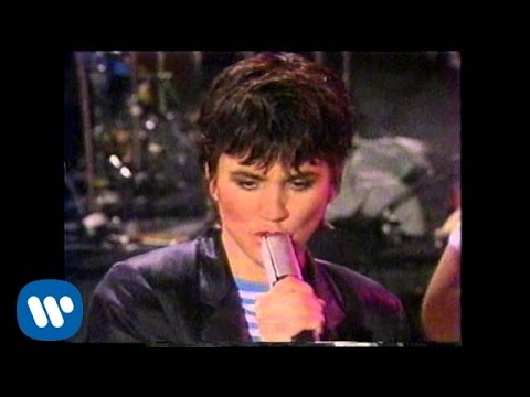 """Linda Ronstadt - """"Mad Love"""" (Official Music Video)"""