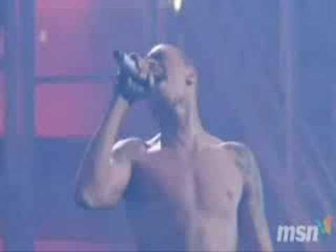 chris brown - kiss kiss Live In Nashville