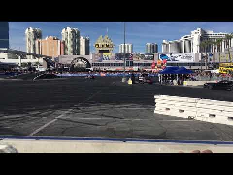 This is how to drift at SEMA
