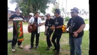 preview picture of video 'Maeroo Buskin at Padang Kota'