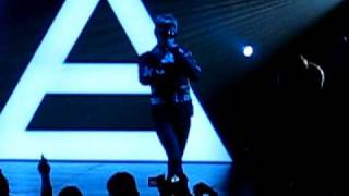 30 Seconds to Mars - Escape (the first song) September 22, 2010 Queen Elizabeth Theater Vancouver BC