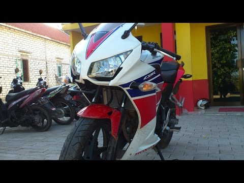 Honda CBR 150R Dual Keen Eyes Review Bahasa Indonesia